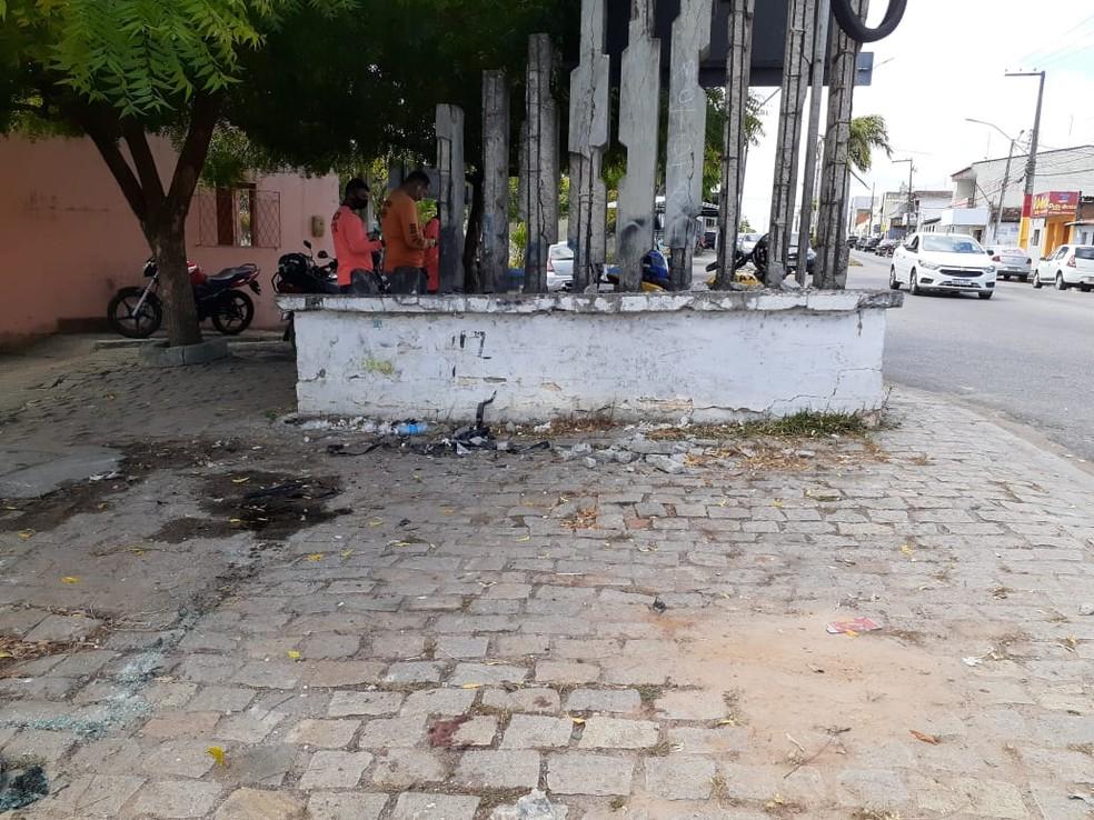 whatsapp-image-2020-10-15-at-09.33.46 Taxista bate carro e é baleado durante assalto na Grande Natal Caso aconteceu na noite desta quarta-feira (14) em São Gonçalo do Amarante.