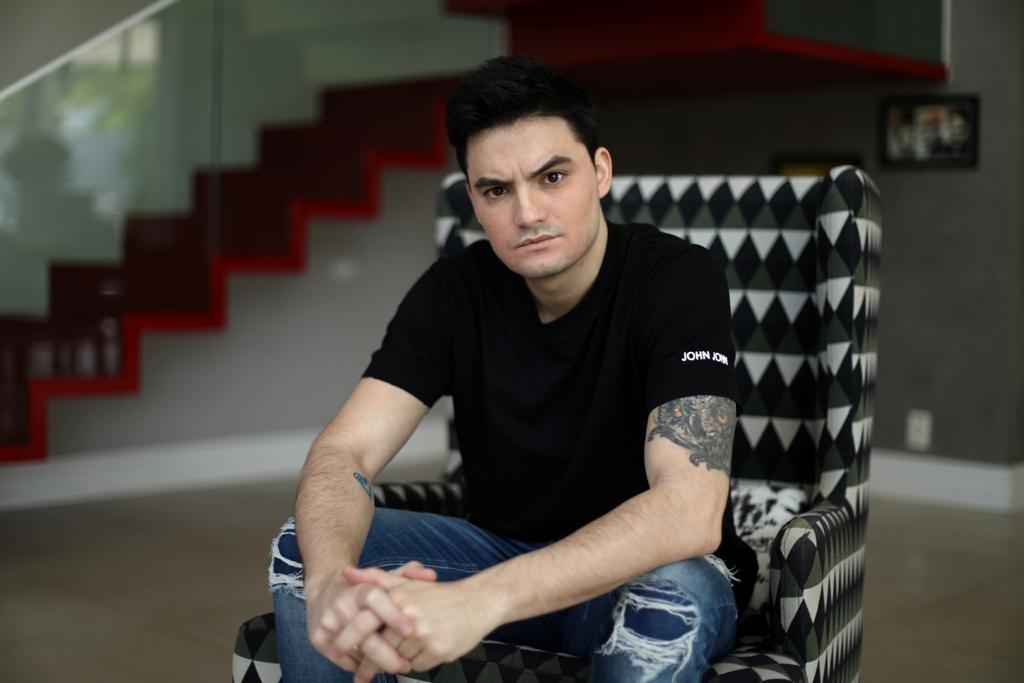 O advogado  Mizael Izidoro, bolsonarista , que xingou Felipe Neto é condenado a prisão