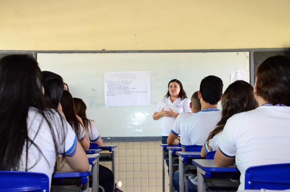 Concurso visa contratação de professores para a rede estadual (Foto: Alyne Pinheiro/Divulgação)
