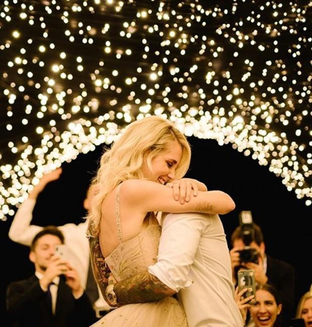 Casamento Chiara Ferragni e Fedez: Decoração com luzes na hora do jantar oficial (Foto: Instagram/Reprodução)