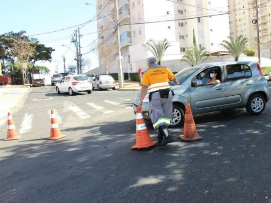 Obra da Sanasa bloqueia acesso de avenida no Centro de Campinas neste domingo; veja rotas