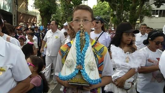 Famílias homenageiam a Virgem de Nazaré no Círio das Crianças, em Belém