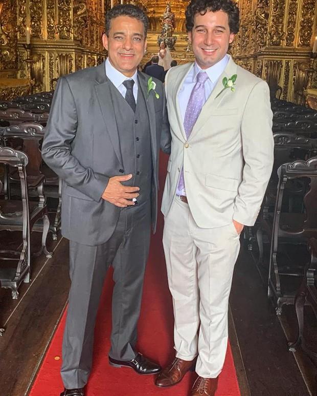 Rafael Almeida no casamento da irmã, Tânia Mara (Foto: Reprodução/Facebook)