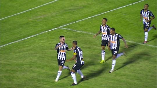 """Nathan avalia nova função no meio e tenta """"esquecer"""" contrato perto do fim com o Atlético-MG"""