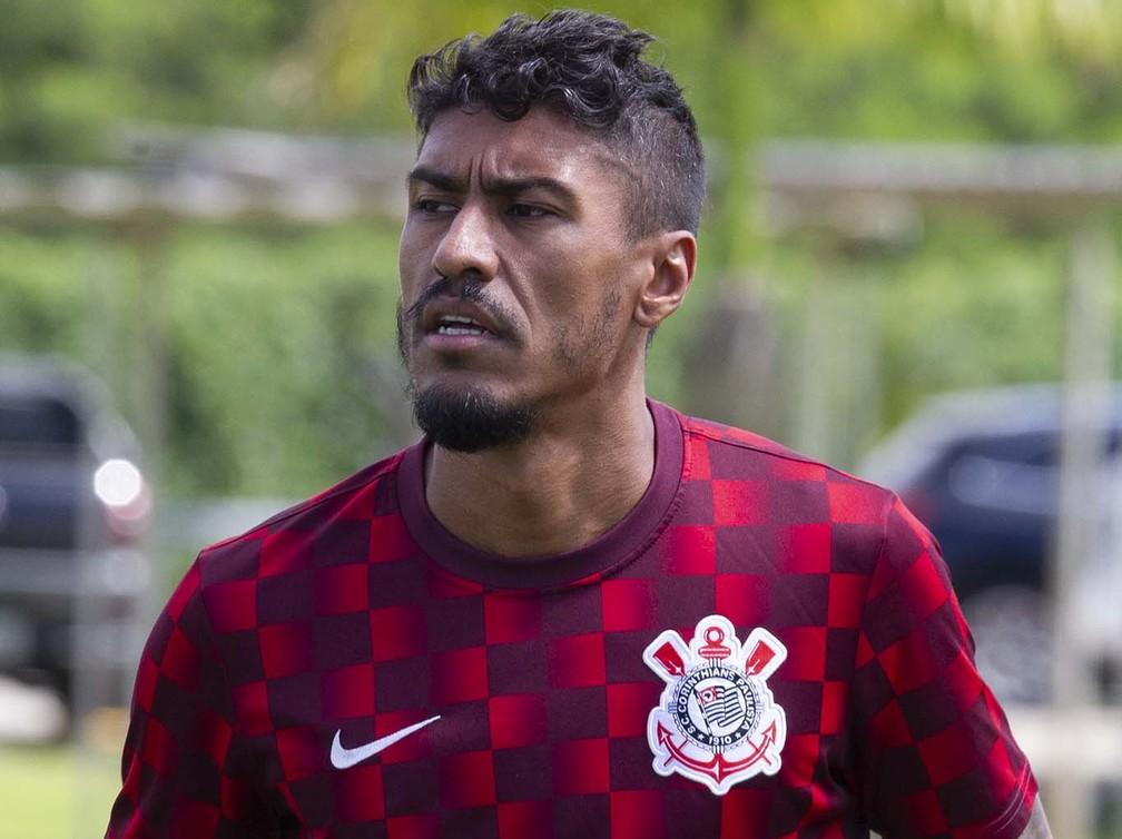 Paulinho mantém a forma no Corinthians — Foto: Daniel Augusto Jr / Ag Corinthians