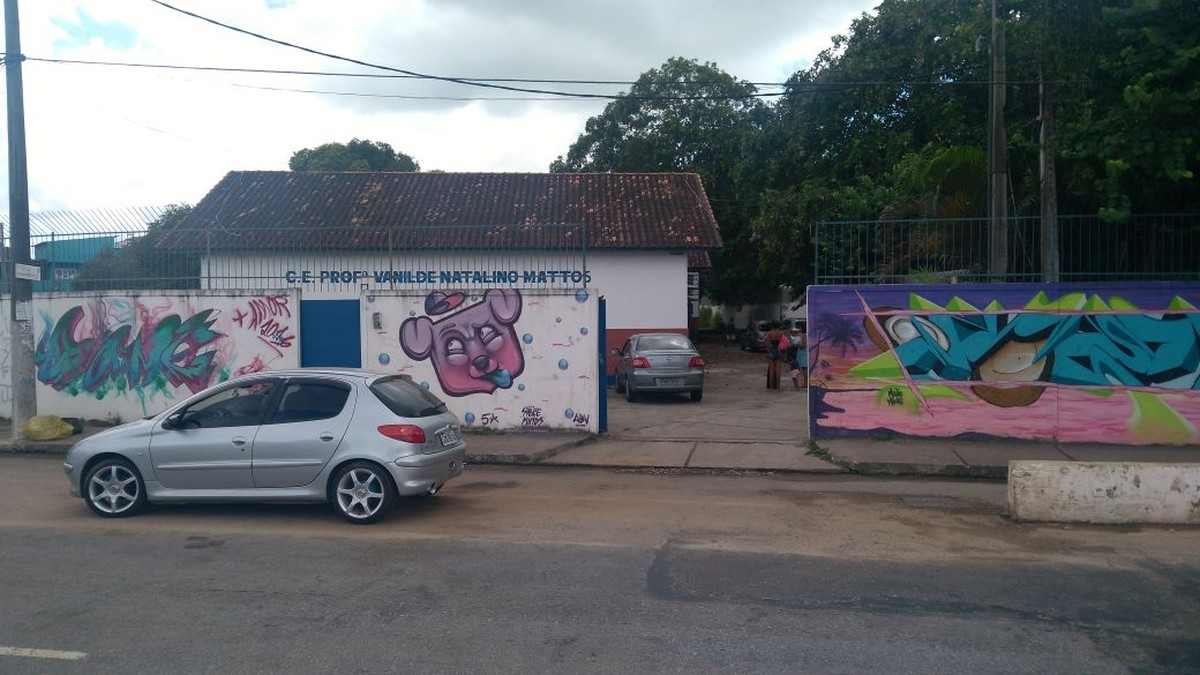 Incêndio destrói parte de escola estadual em Macaé, no RJ