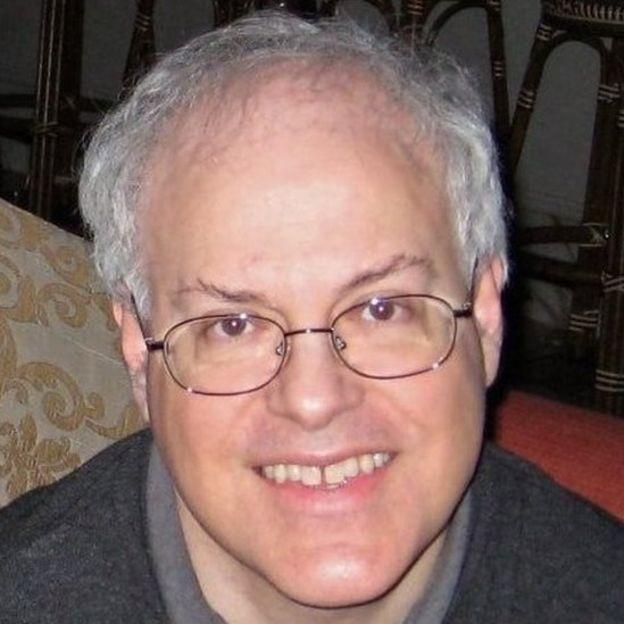 Joseph Bates elogiou o estudo de longa duração, dizendo que ele o ajudou a prosperar (Foto: LinkedIn via BBC News Brasil)