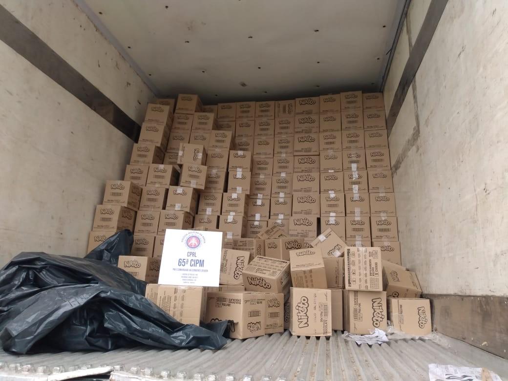 Carga de produtos alimentícios avaliada em mais de R$ 140 mil é apreendida em ação policial na Bahia