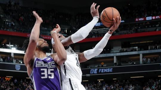 D-Lo tira onda, Pat Bev deixa rival no chão com drible, e Harden alcança marca: a noite da NBA