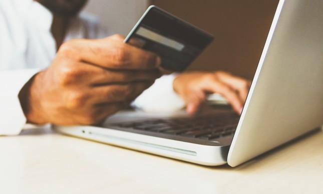 Com cartão, trabalhadores com benefícios flexíveis escolhem como gastar o valor concedido pelo empregador