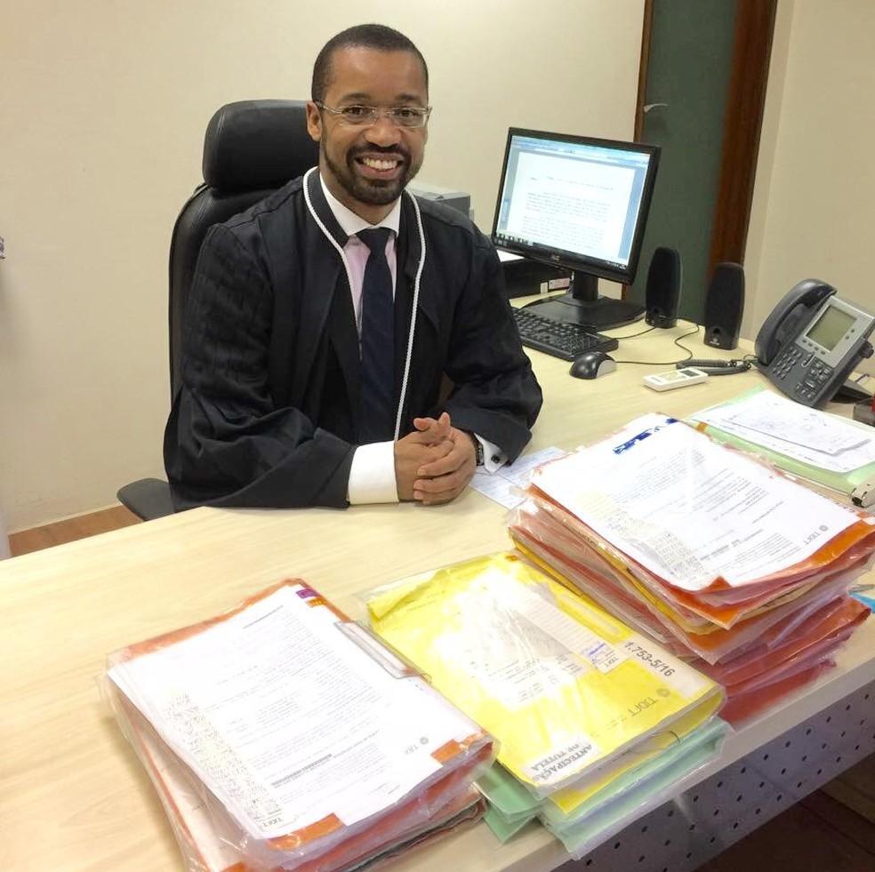 Juiz do TJDFT, Fábio Esteves assumiu magistratura em 2007 — Foto: Arquivo pessoal