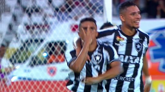 """Erik brinca com """"ajudinha"""" ao Palmeiras, mas foca no Botafogo e deixa papo sobre 2019 para depois"""