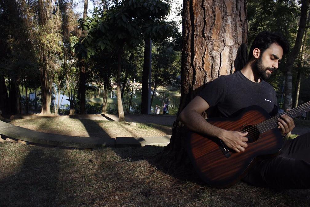 Julian Campos começou carreira musical no Sul de Minas Gerais. (Foto: Arquivo Pessoal/Julian Campos)