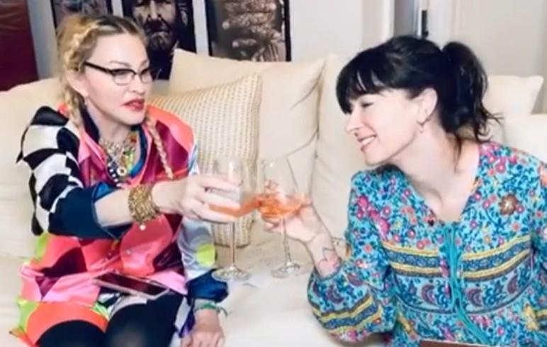 Madonna e Diablo Cody trabalhando no roteiro da cinebiografia da cantora quando o projeto foi anunciando no fim de 2020 (Foto: Instagram)