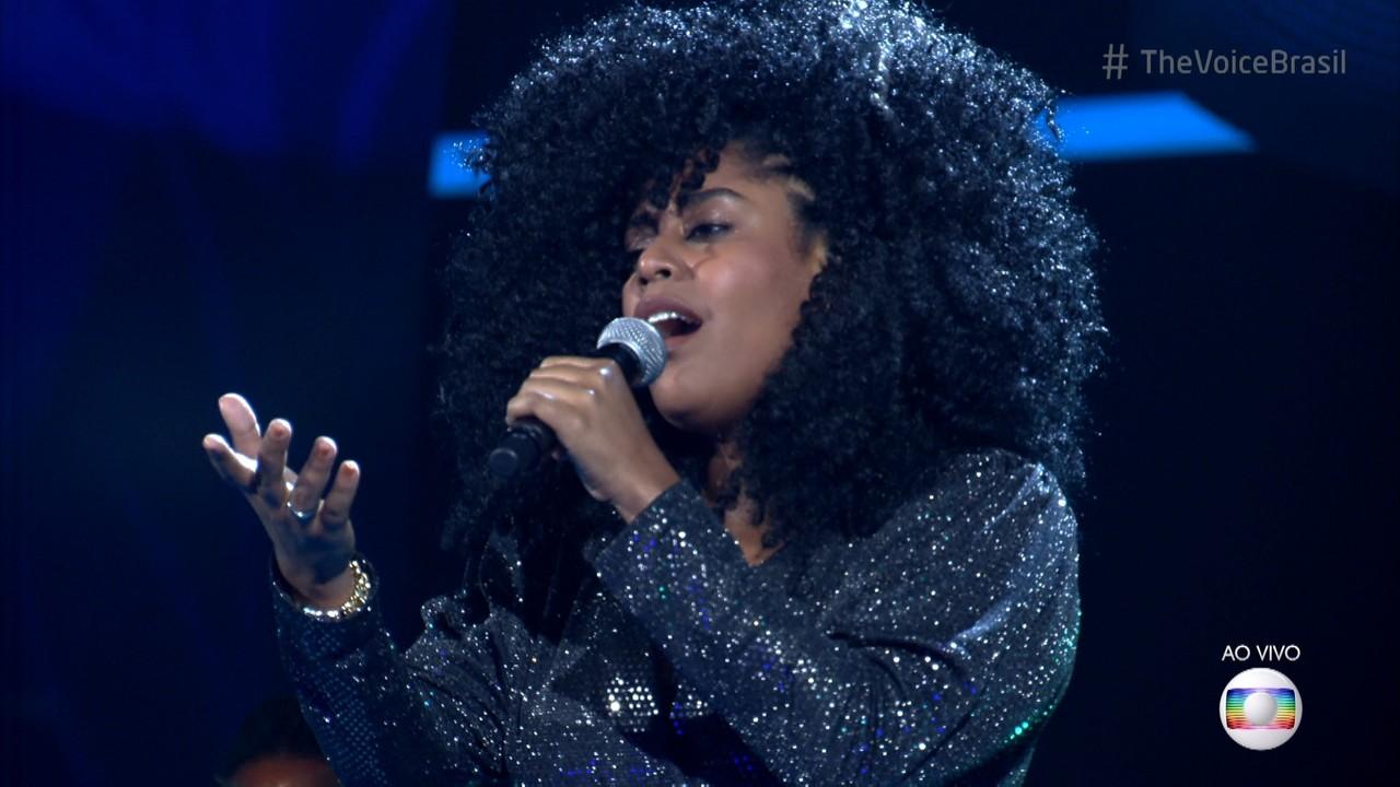 Aline Souza canta 'Separação' na Rodada de Fogo