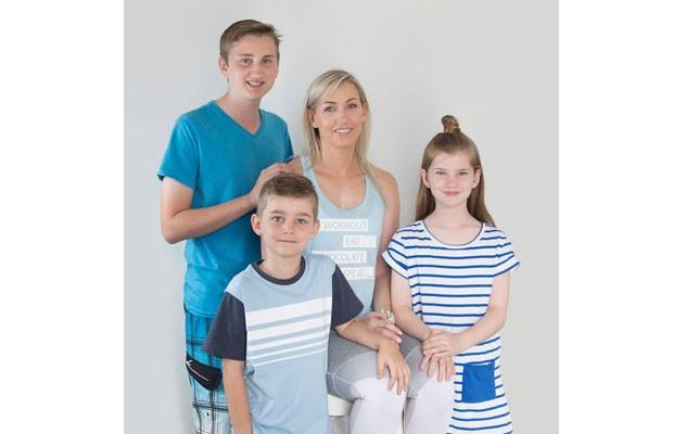 Renee Platt e os três filhos: o menino mais novo é o que 'vai mudar o jogo' (Foto: Reprodução Facebook)
