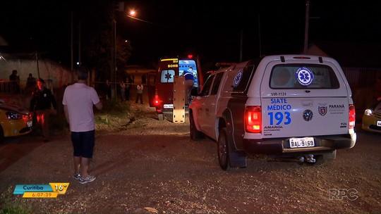 Quatro pessoas são baleadas em casa, na Região de Curitiba; três morreram na hora