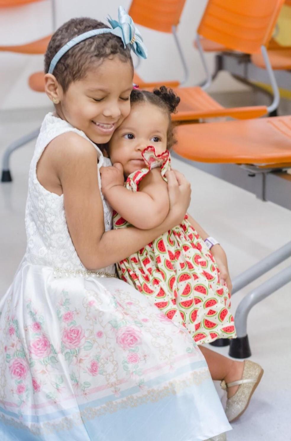 Ana Lívia de 1 ano tem medula 100% compatível com a irmã Yasmim  — Foto: Divulgação/Ingrid Alves