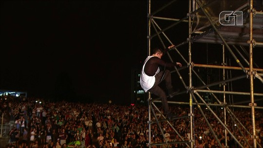 Twenty One Pilots faz show ótimo e frenético com rock, rap, dance e estripulias no Lollapalooza