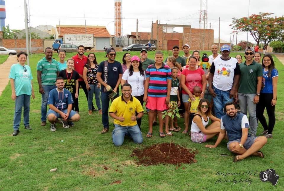 Comunidade se mobiliza para arborizar cidade no Interior paulista - Notícias - Plantão Diário