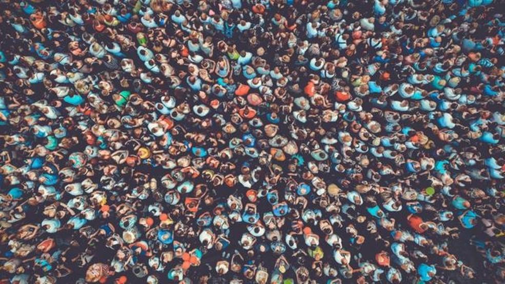 Crescimento populacional também deve ser contido com políticas que respeitem os direitos humanos — Foto: Getty Images via BBC