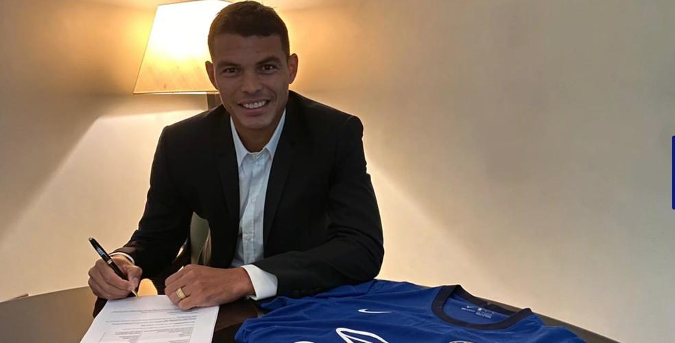 Thiago Silva assinou contrato de uma temporada com o Chelsea — Foto: Divulgação / Chelsea FC