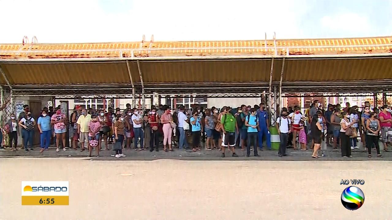 Após protesto de rodoviários, terminais ficam lotados em Aracaju