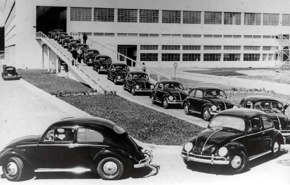 Primeiros fuscas produzidos no Brasil foram em 1959 (Foto: Reprodução)