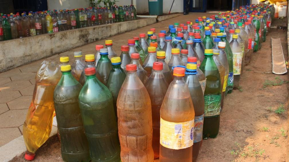 Polícia Ambiental apreendeu cerca de mil litros de combustível em Guajará-Mirim (Foto: Edivaldo Souza/Arquivo pessoal)