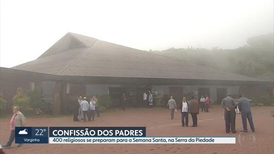 Padres se reúnem na Serra da Piedade, em Caeté, em preparação para as celebrações da Semana Santa