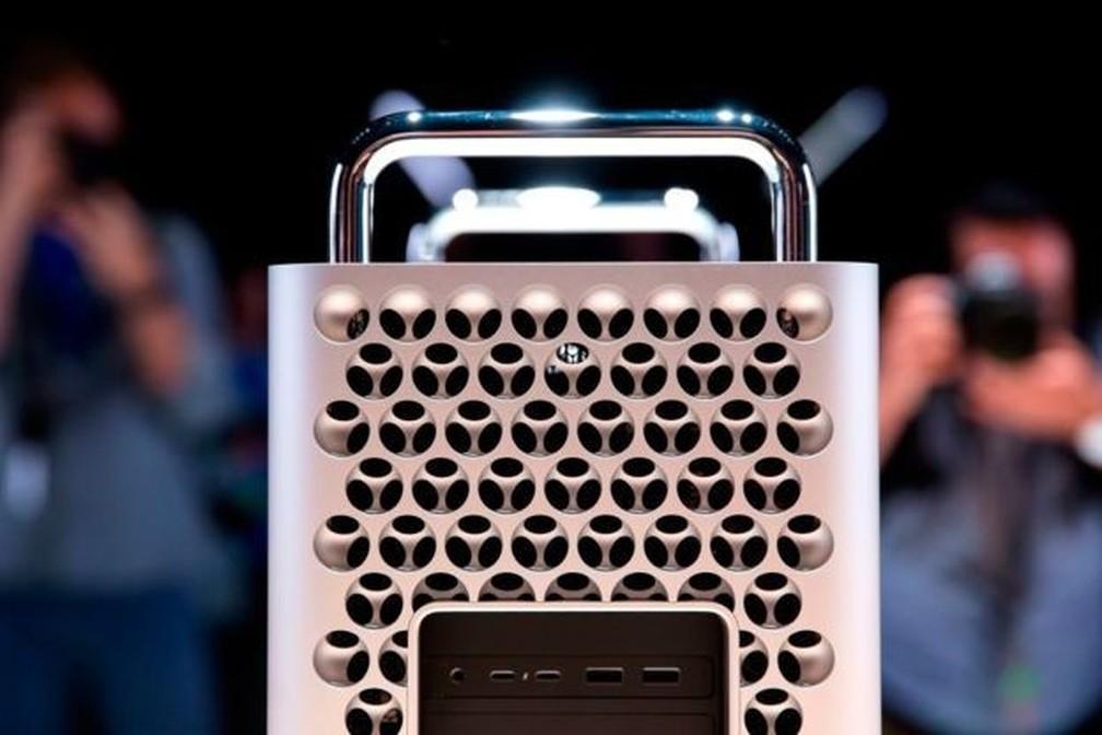 O computador tem três dissipadores grandes de calor para evitar superaquecimento — Foto: Getty Images