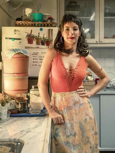 Andréia Horta como Lara em 'Um lugar ao Sol' (Foto: Fábio Rocha/Globo)