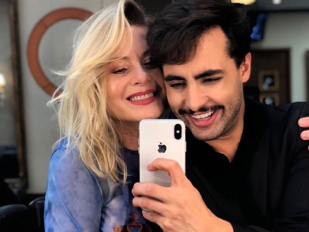 Vera Fischer e i hair stylist Costatto (Foto: Reprodução/Instagram)