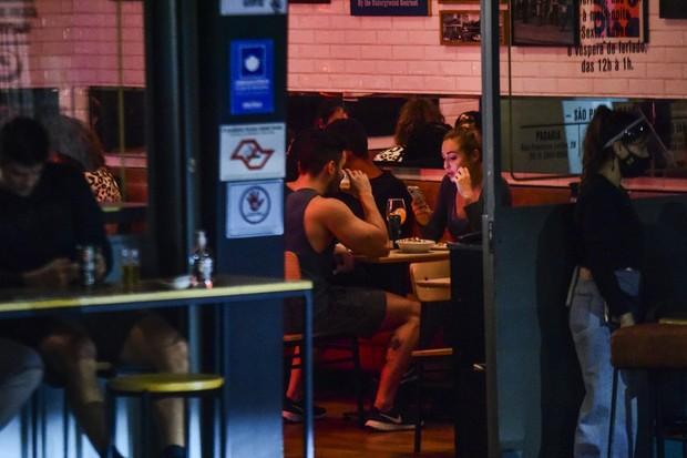 Jéssica Mueller e Matheus Guedes (Foto: Leo Franco/AgNews)