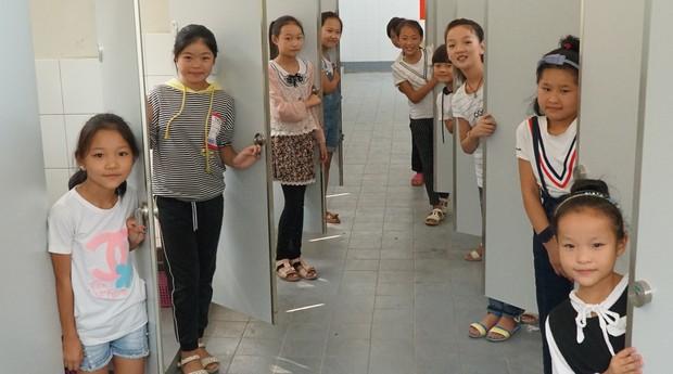Dar melhores condições de saúde pública a crianças e adultos do mundo todo é o que motiva Jack Sim na Organização Mundial dos Banheiros (Foto: Divulgação)