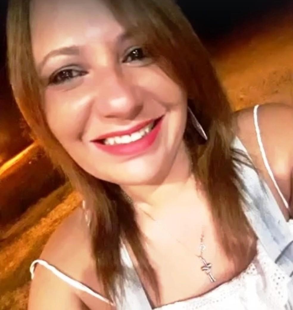 Viviane Ribeiro é comerciante em Itanhaém, SP (Foto: Arquivo Pessoal)