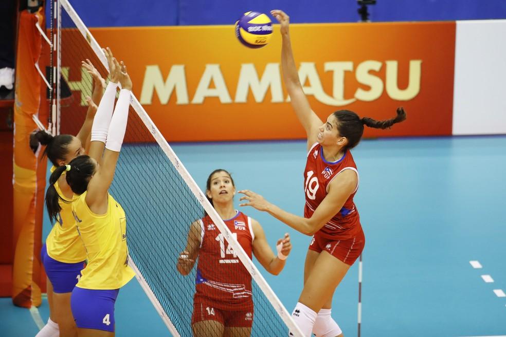 Brasil só teve dificuldades contra Porto Rico no primeiro set — Foto: Divulgação/FIVB