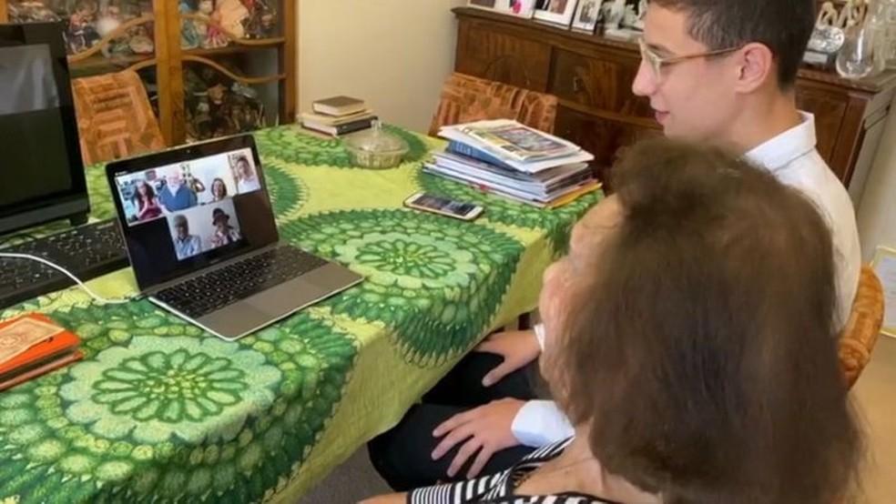 Bisneto encontrou nas redes sociais familiares de soldado que ajudou a salvar Lily — Foto: BBC