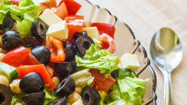 Investir em uma dieta diversificada ajuda a melhorar o microbioma intestinal (Foto: THINKSTOCK)