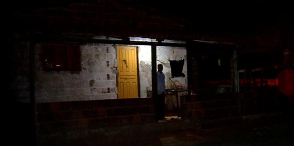 Adolescente de 14 anos foi executado a tiros dentro da casa onde morava, em Graçandu (Foto: Cleildo Azevedo/Inter TV Cabugi)