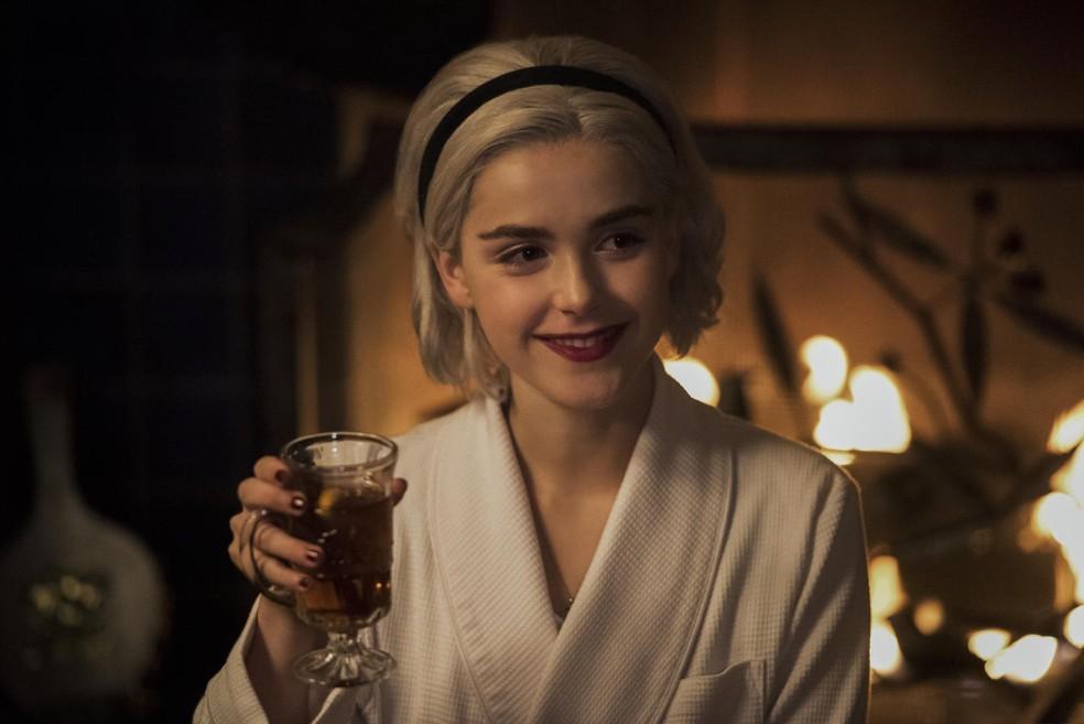 Recém-lançada O Mundo Sombrio de Sabrina ganha especial de Natal na Netflix — Foto: Divulgação/Netflix