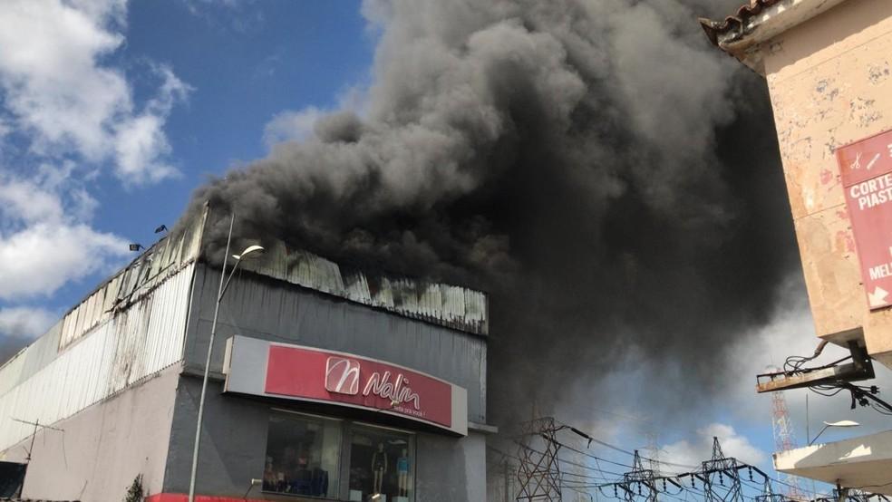Loja Nalin da Amaral Peixoto pega fogo — Foto: Fabiano Almeira/Arquivo pessoal