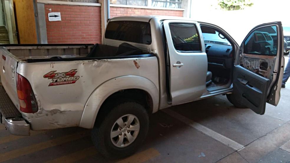 Droga estava em caminhonete estacionada em Presidente Epitácio (Foto: Polícia Militar/Cedida)