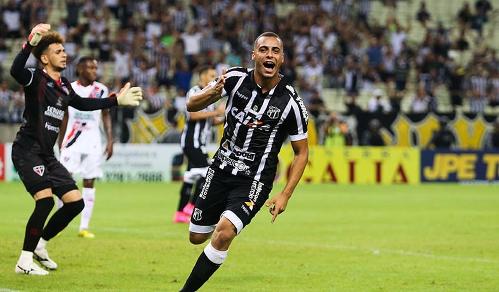 Arthur em ação pelo Ceará (Foto: Lucas Moraes/Divulgação/Cearasc.com)
