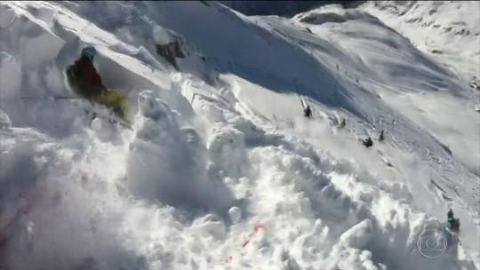 Esquiador é engolido por avalanche no Oeste da Áustria