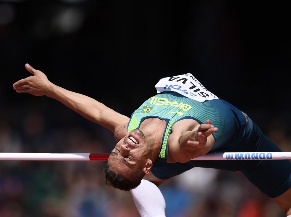 Talles Silva se esforça em busca de recorde pessoal e vaga na final (Foto: Reuters)