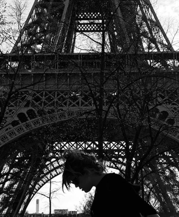 Bárbara Paz em Paris, na França (Foto: Reprodução/Instagram)