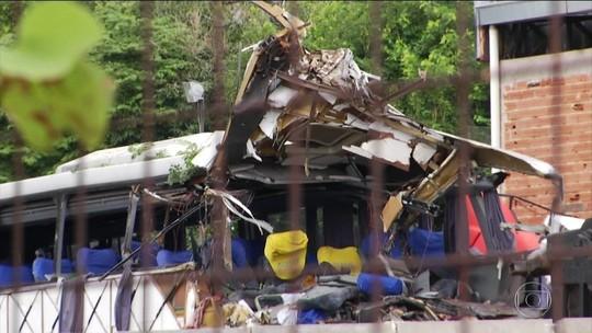 Acidente com 7 mortos em MG, dólar nas alturas e outras notícias