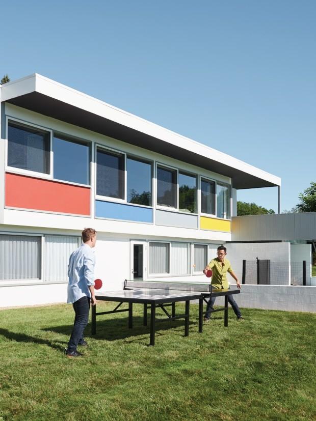 Casal apaixonado por arte vive em casas famosas da Bauhaus (Foto: Brooke Holm/Trunk Archive)
