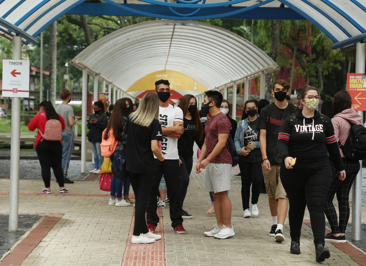 Enem 2020: Mais de 54% dos estudantes inscritos no Paraná faltaram no segundo dia de provas